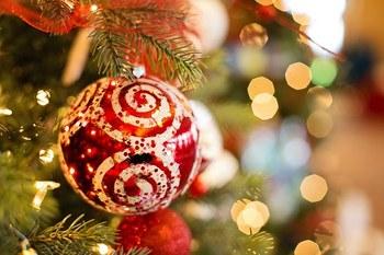 christmas-ornament-1042545__340.jpg